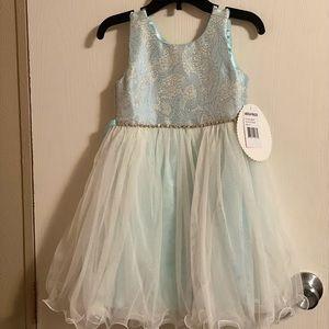 Formal dress ( little girls)